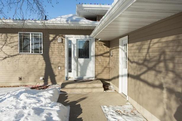 2201 9 Th Street S, Fargo, ND - USA (photo 2)