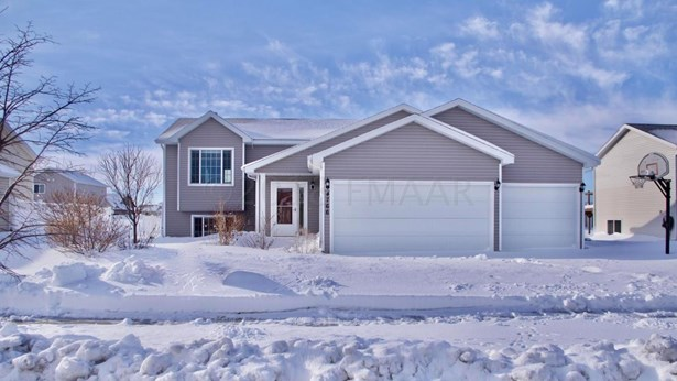4766 48 Avenue S, Fargo, ND - USA (photo 1)
