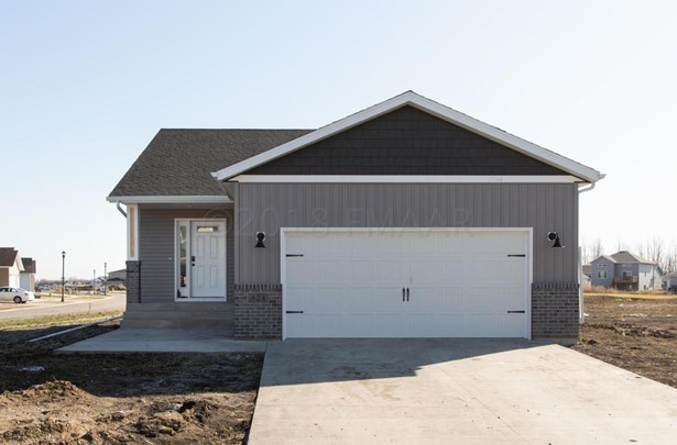 824 Albert Drive W, West Fargo, ND - USA (photo 1)