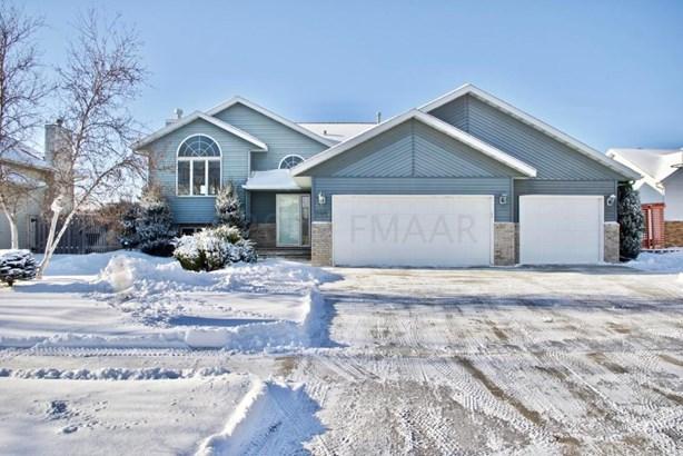 2907 32 Street S, Fargo, ND - USA (photo 1)
