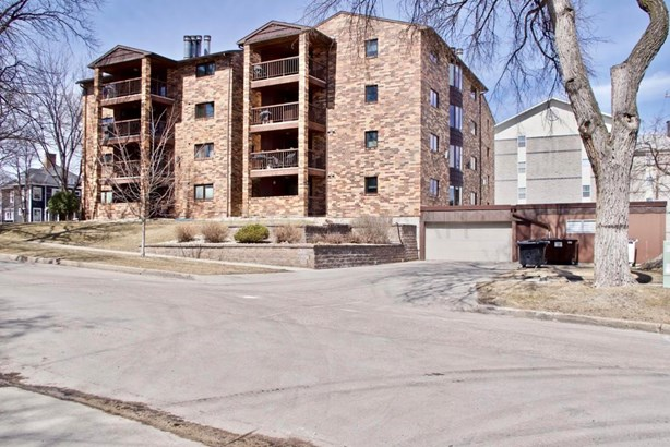 220 8 Street S #c1, Fargo, ND - USA (photo 1)