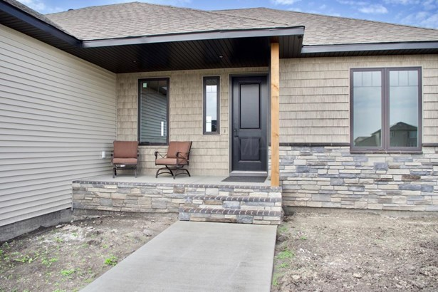 3685 Valley View Drive S, Fargo, ND - USA (photo 2)