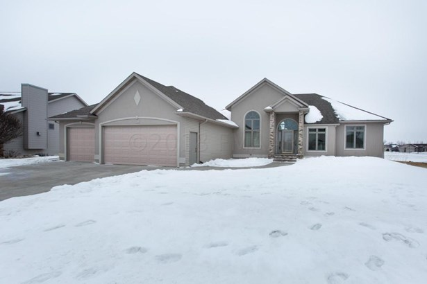 331 Edgewater Drive, West Fargo, ND - USA (photo 2)