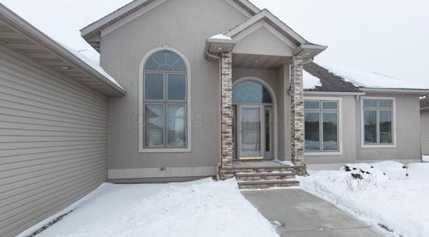 331 Edgewater Drive, West Fargo, ND - USA (photo 3)