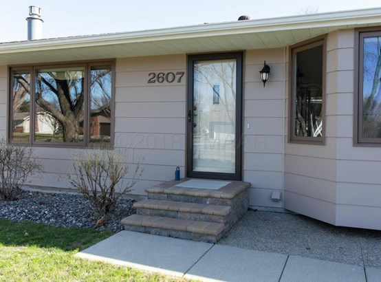 2607 Eastgate Drive S, Fargo, ND - USA (photo 2)