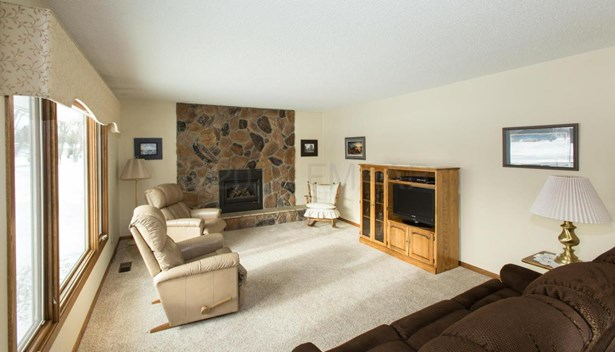 2607 Eastgate Drive S, Fargo, ND - USA (photo 3)
