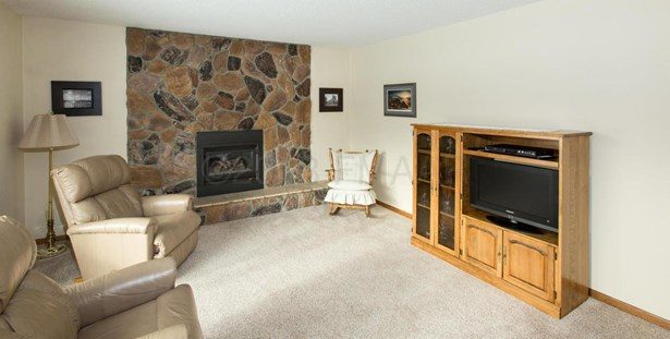2607 Eastgate Drive S, Fargo, ND - USA (photo 4)