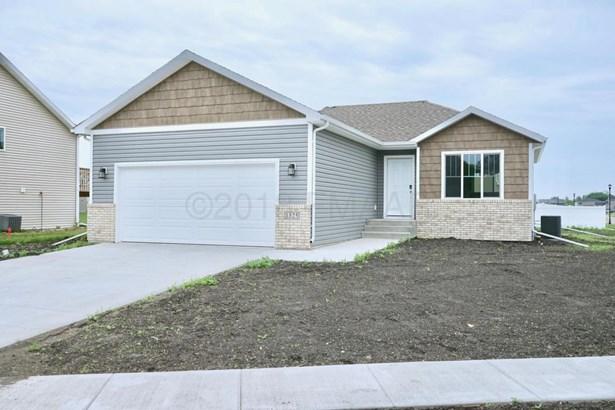 1325 Goldenwood Drive, West Fargo, ND - USA (photo 1)