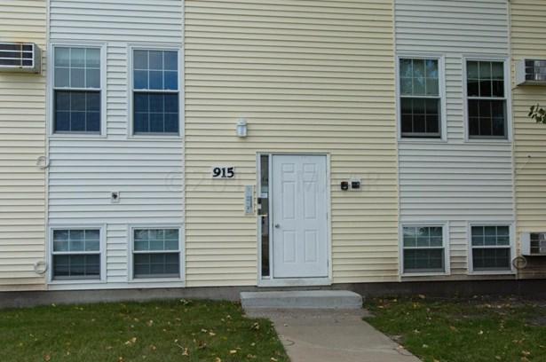 915 10 Th Avenue W, West Fargo, ND - USA (photo 4)