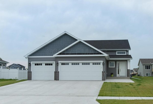 6059 Autumn Drive S, Fargo, ND - USA (photo 1)