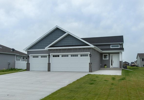 6059 Autumn Drive S, Fargo, ND - USA (photo 2)