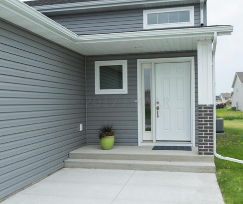 6059 Autumn Drive S, Fargo, ND - USA (photo 3)