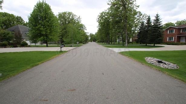 6326 13 Street N, Fargo, ND - USA (photo 5)