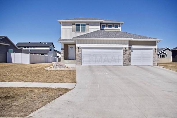 5453 Tyler Avenue S, Fargo, ND - USA (photo 1)