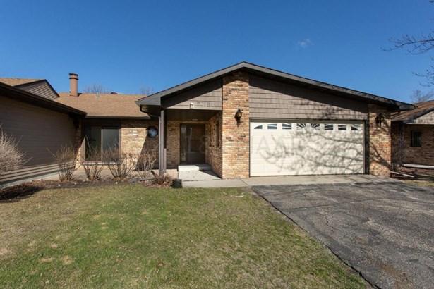 201 Prairiewood Drive S #b, Fargo, ND - USA (photo 1)
