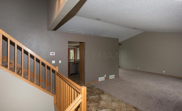 1724 37 1/2 Avenue S, Fargo, ND - USA (photo 4)