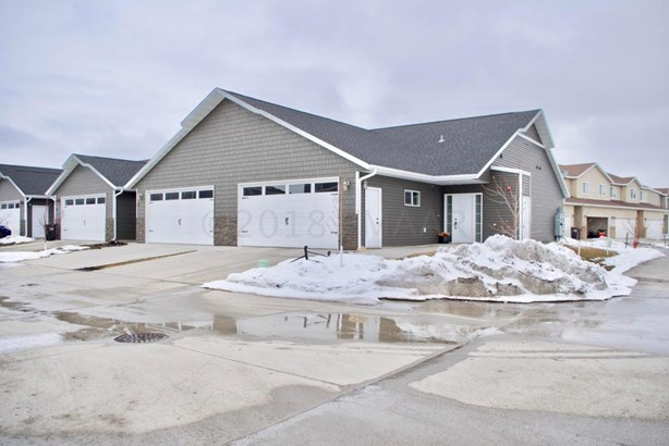 5087 43 Avenue S, Fargo, ND - USA (photo 1)