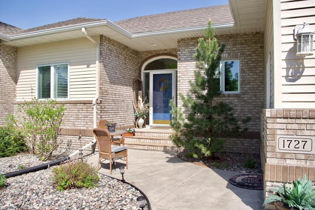 1727 Charleswood Estates Drive, West Fargo, ND - USA (photo 2)