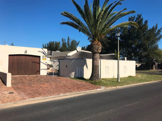28 Coleford, Edgemead, Goodwood - ZAF (photo 1)