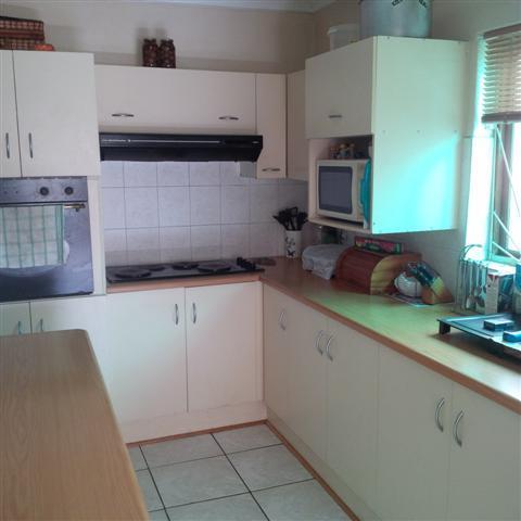 39 Himeville, Bluewater Bay, Port Elizabeth - ZAF (photo 3)
