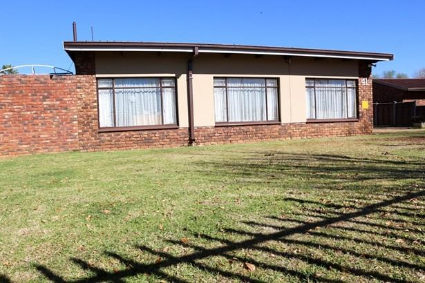 Miederpark, Potchefstroom - ZAF (photo 1)