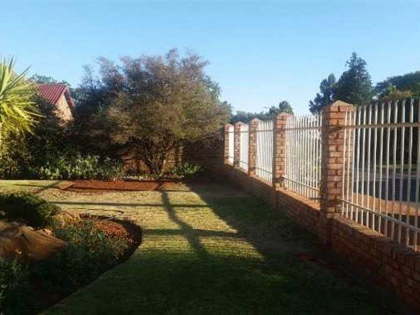 Royldene, Kimberley - ZAF (photo 1)