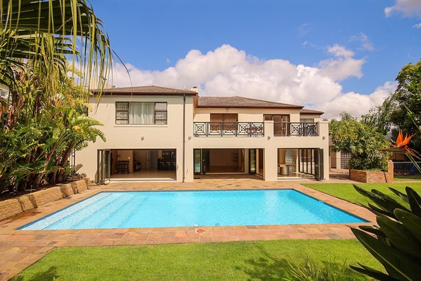 9 Klein Constantia Road, Constantia, Cape Town - ZAF (photo 2)