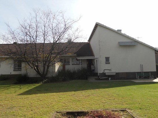 112 Rezende , Selcourt, Springs - ZAF (photo 1)