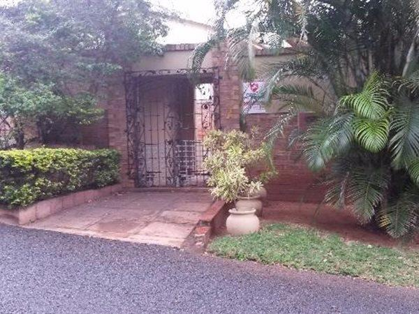 11 Ranleigh, Durban North - ZAF (photo 2)