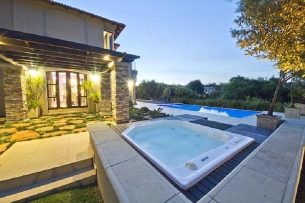 1760 Monterey, Dainfern Golf Estate, Dainfern - ZAF (photo 3)
