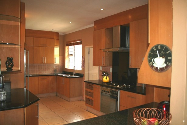 9 Erasmus , Eden Glen, Edenvale - ZAF (photo 3)