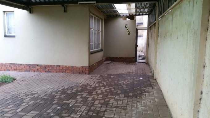 Protea North, Soweto - ZAF (photo 2)