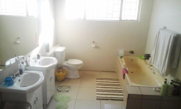 Claremont, Pretoria - ZAF (photo 3)
