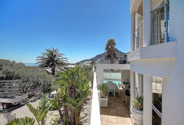 58 Victoria, Camps Bay, Cape Town - ZAF (photo 1)