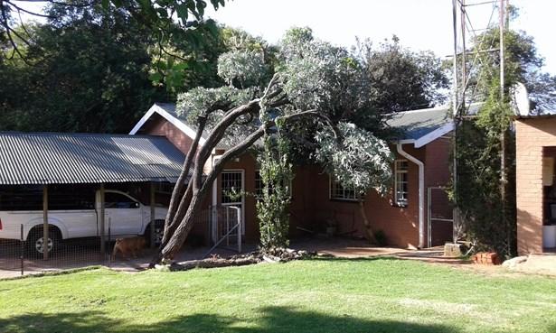 Buffelsfontein A H, Rustenburg - ZAF (photo 1)