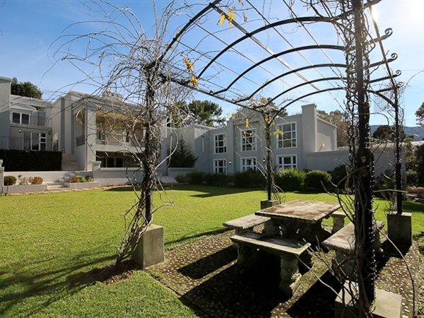 6 Frere, Constantia Upper, Cape Town - ZAF (photo 3)