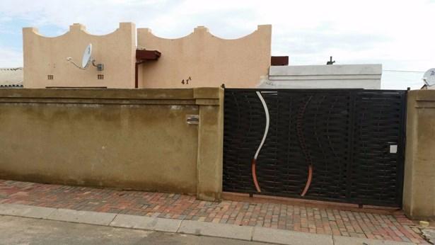 41a Moshoeshoe, Meadowlands, Soweto - ZAF (photo 1)