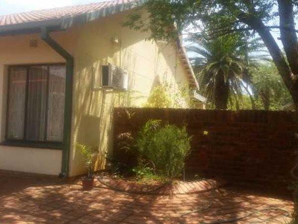 Royldene, Kimberley - ZAF (photo 2)