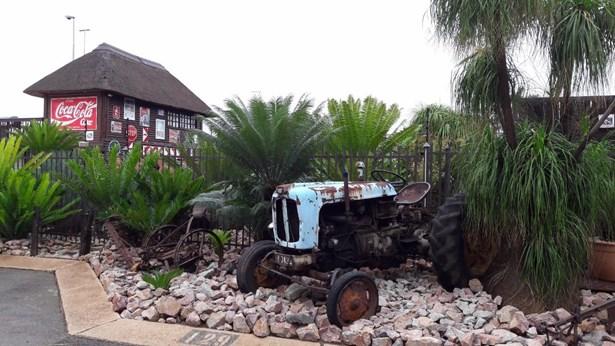 Kilner Park, Pretoria - ZAF (photo 2)