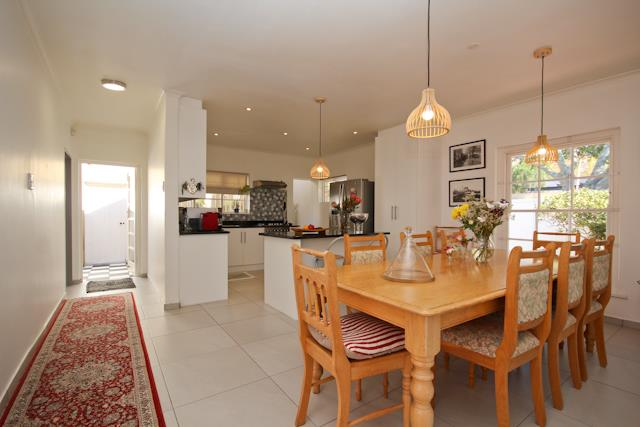 13 Charles, Constantia, Cape Town - ZAF (photo 5)