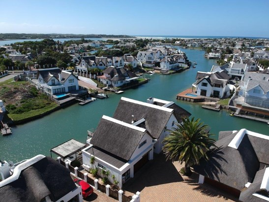 4 Galleon, Canals, St Francis Bay - ZAF (photo 4)