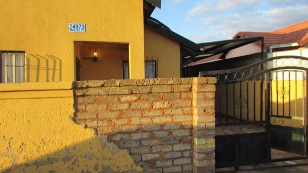 Diepkloof, Soweto - ZAF (photo 1)