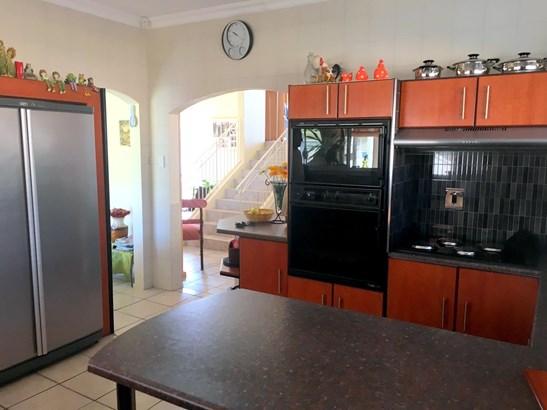 64 Hillcrest, Bluewater Bay, Port Elizabeth - ZAF (photo 2)