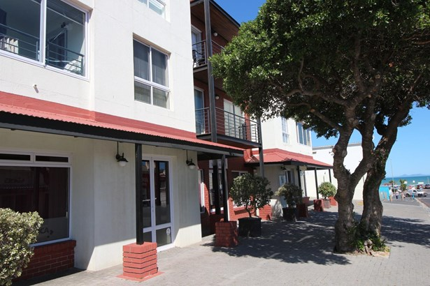 Gordons Bay Central, Gordons Bay - ZAF (photo 1)