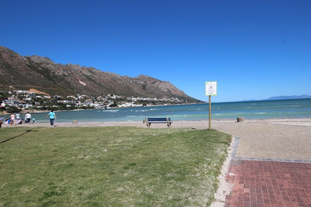 Gordons Bay Central, Gordons Bay - ZAF (photo 5)