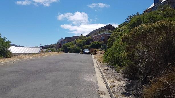 9 Cockburn, Glencairn Heights, Simons Town - ZAF (photo 4)