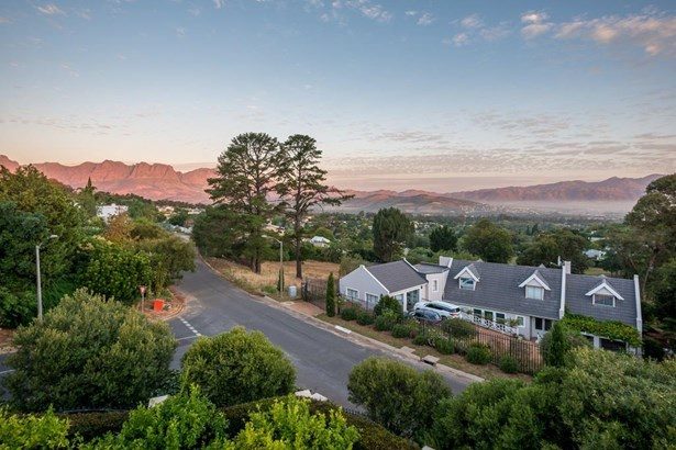15 Leylands, La Concorde, Somerset West - ZAF (photo 3)