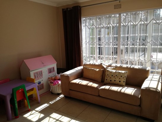 29 Sadie, Eden Glen, Edenvale - ZAF (photo 5)