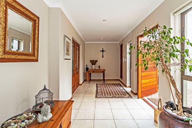 12 Paris, Natures Valley, Somerset West - ZAF (photo 4)