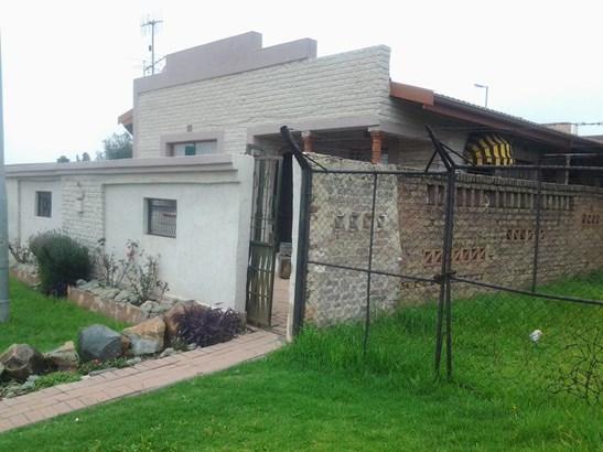 Pimville Zone 7, Soweto - ZAF (photo 3)